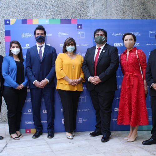 [Noticia] Decana de Educación UDD participa en ceremonia de premiación del Global Teacher Prize Chile